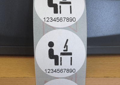 Papír biztonsági matrica